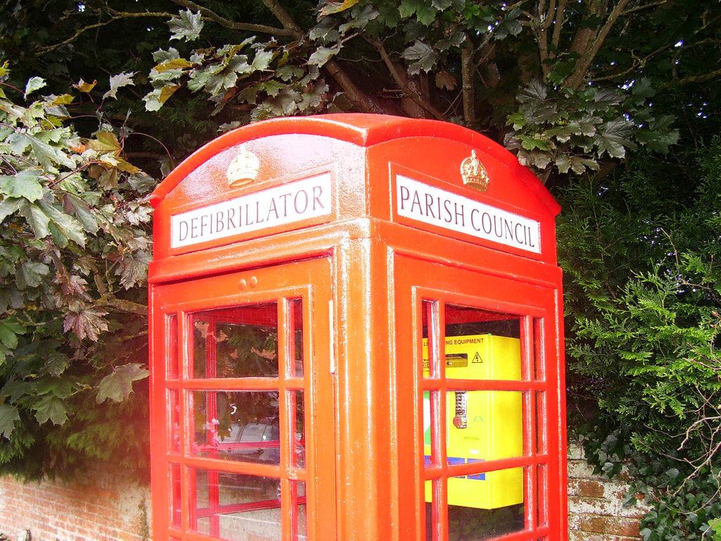 rural-phonebox-defibrillator