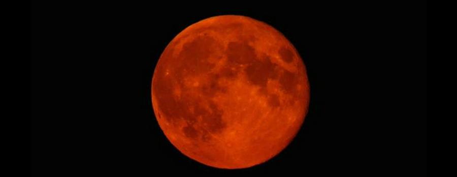 I feel a blood moon rising…tonight